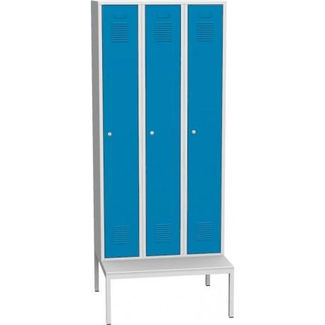 Třídvéřová kovová šatní skříň s podstavnou lavicí